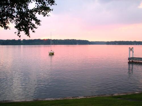 lake sunset 022.JPG
